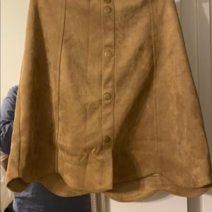Camel suede skirt with scallop edge